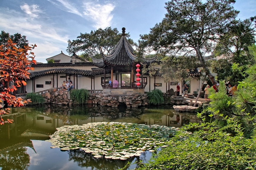 HDR photo of a Chinese garden processed with easyHDR